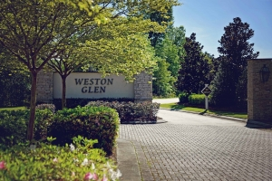 Weston Glen Entrance3